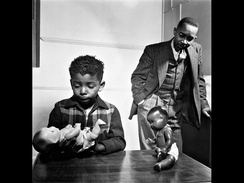 Untitled, Harlem, New York, 1947 - Photograph by Gordon Parks ©The Gordon Parks Foundation