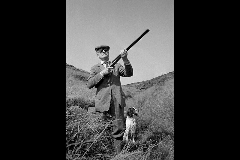From 'The Non Conformists'. Calderdale. Hebden Bridge. Lord Savile on the Glorious Twelfth, the first day of the grouse-shooting season. West Yorkshire. England. GB 1975-1980 © Martin Parr / Magnum Photos und Kunstfoyer
